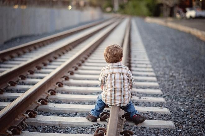 A vasút melletti játék veszélyeire figyelmeztet a MÁV