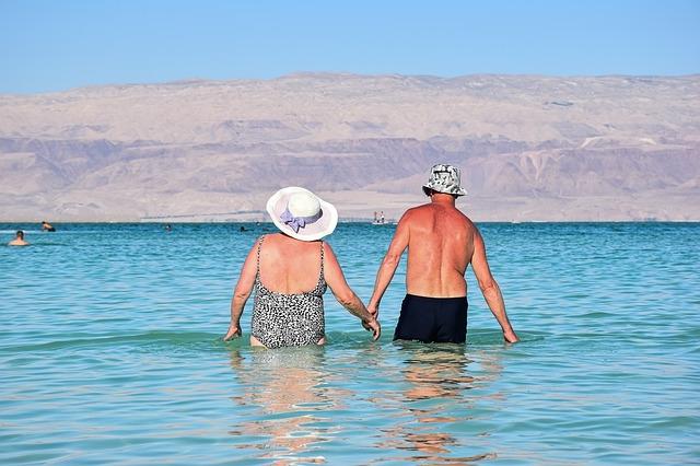 A fürdőzés jótékony hatással lehet az idősekre