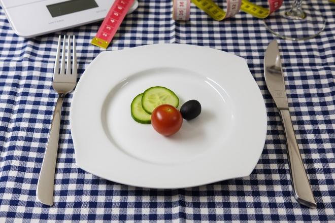 10 könyv az evészavarokról, az anorexiától a bulimián át a túlevésig