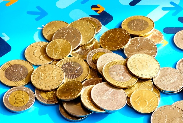 Új érméket bocsátott ki az MNB a vészhelyzetben helytállók tiszteletére
