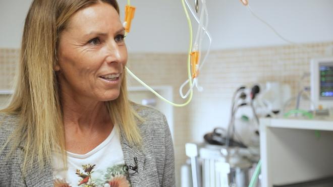 Miklósa Erika a sukorói Vadmadárkórházban