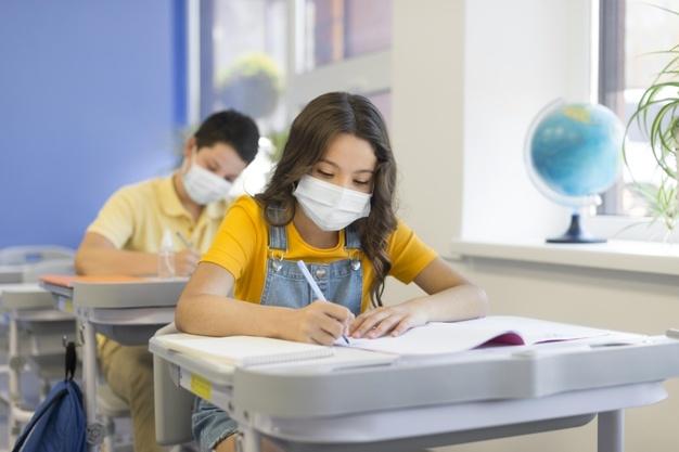 Fokozott a szülők és a tanárok felelőssége a járvány miatt