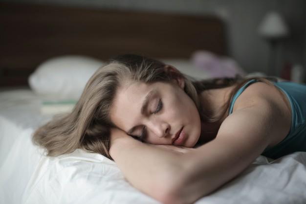 Az alvás befolyásolja a fertőzéssel való megküzdést