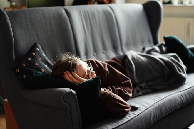 Mikor és kinek lehet hasznos a nappali szundítás?