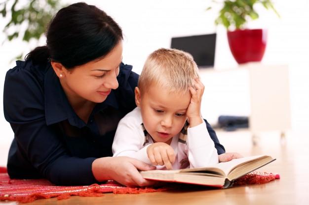 Könyvek és indulatok – Anyaszemmel