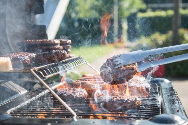 A szabadtéri grillezés is súlyos légszennyező tevékenység