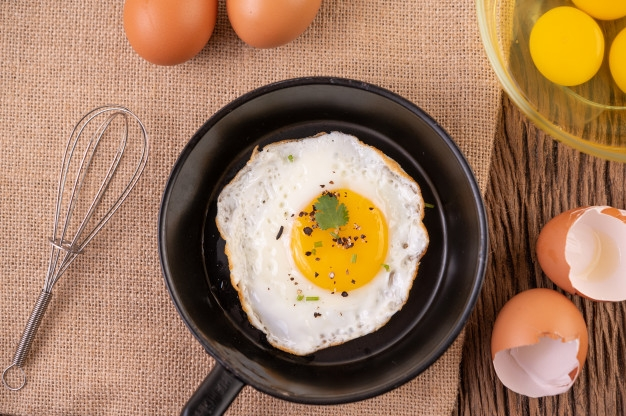 Gyomorpanaszokat és bőrtüneteket is okozhat a tojás