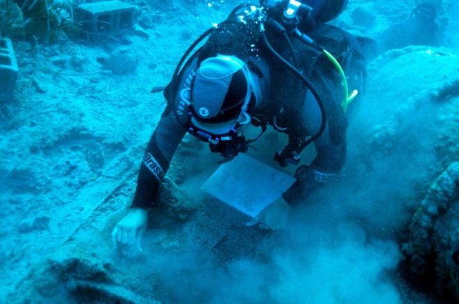 Ókori tárgyakat hoztak felszínre egy 1802-ben elsüllyedt hajóról