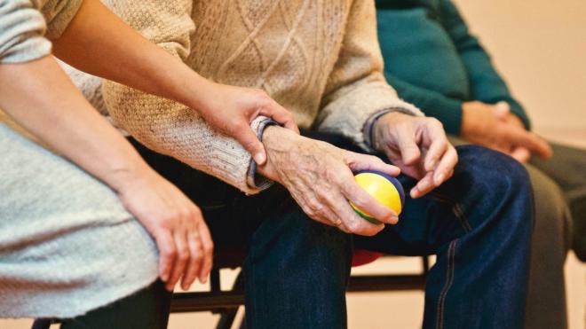 Az időseket segíti a SOTE online tanácsadása