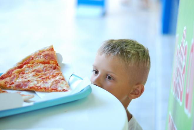 Kell-e fogyókúrára sarkallni egy gyereket?