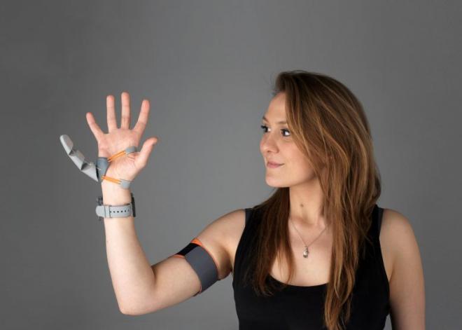 A végtag protézis agyra gyakorolt hatása