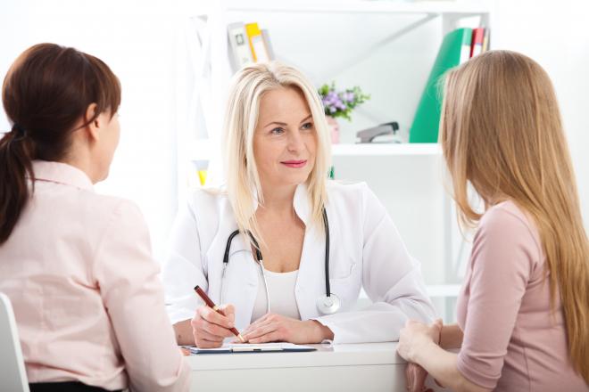 Mi történik első alkalommal a nőgyógyásznál?