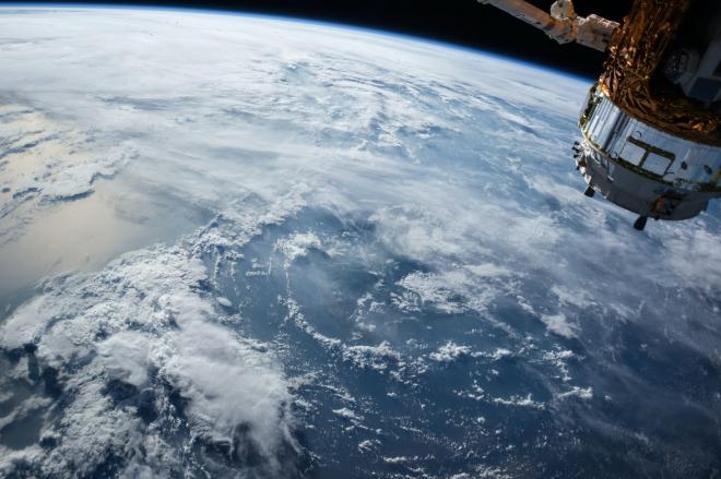 Hogyan semmisül meg az űrszemét?