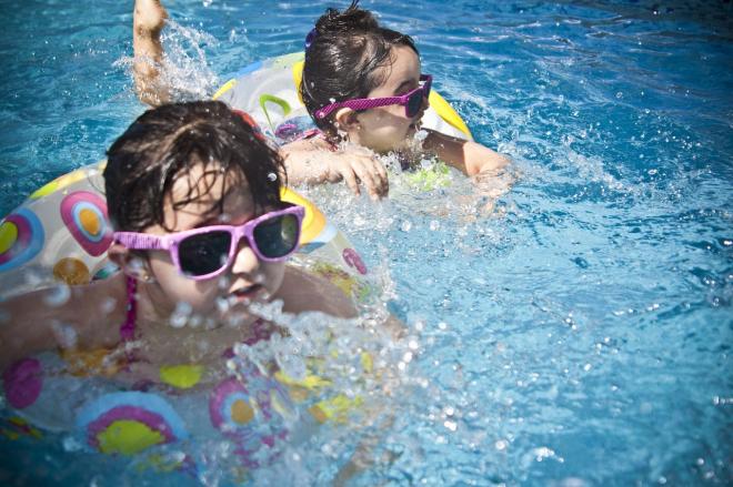 Hogyan kezelhető az úszófül?