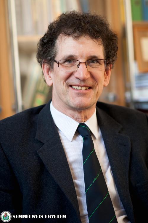 Dr. Reusz György