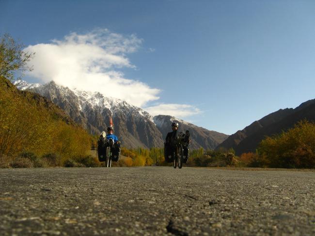Tádzsikisztánban, a Pamírban 4000 méter felett is bicikliztek (Fotó: 360°bringa)