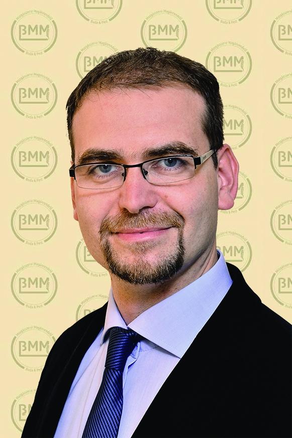 Dr. Moravcsik Bence Balázs