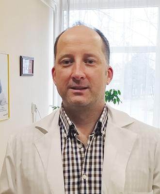 dr. Komáry Gábor gyógyszerész