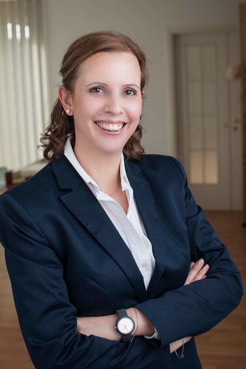 Dr. Láday Réka ügyvéd