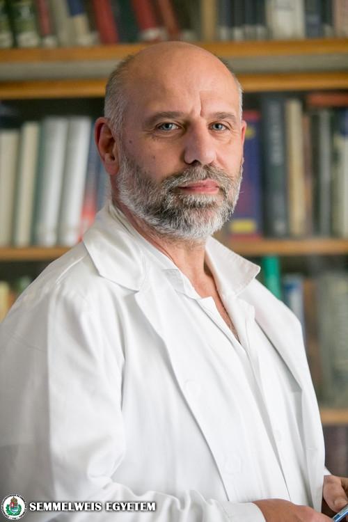Dr. Bánsághi Zoltán