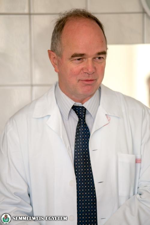 Dr. Bérczi Viktor