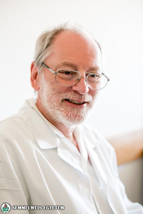 Dr. Bartha Károly
