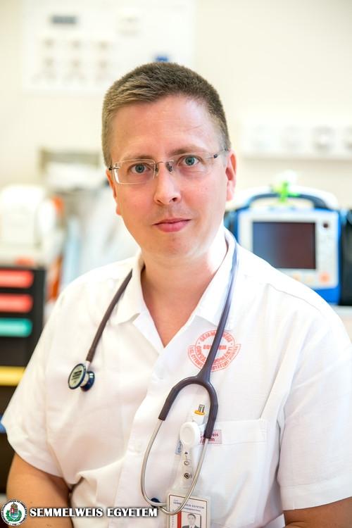 Dr. Cseh Áron