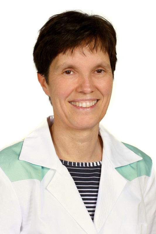 dr. Augusztinovicz Monika  fül-orr-gégész, allergológus és klinikai immunológus