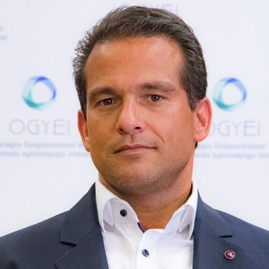 dr. El Koulali Zakariás országos tisztifőgyógyszerész
